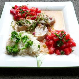 Tornedos vom Schwein in Estragon-Thymian-Sauce mit Wassermelonen-Tomaten-Salsa