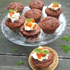 Schoko-Kokos-Muffins mit Frischkäse-Kaktusfeige-Topping