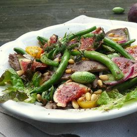 Herbstsalat mit Rindfleisch, Dattelgurken und Feigen