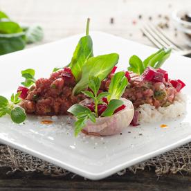 Beef Tatar vom Bio-Weidejungrind mit Rote-Rüben-Chutney