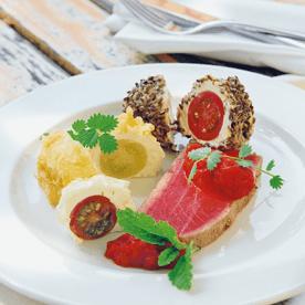 Knusprige Paradeiser-Pralinen mit Thunfisch