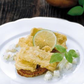 Camemberttörtchen mit Apfel-Kräutersauce