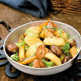 Erdäpfel-Gemüse-Pfanne mit Schwammerl
