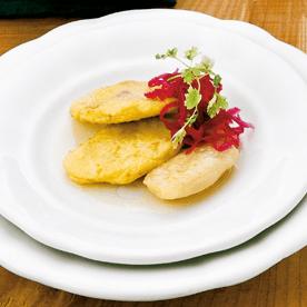 Knusprige Rotkrauttascherl mit Birnen