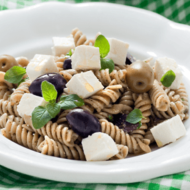 Dinkel-Vollkorn-Spiralen mit Feta, Pesto und Oliven