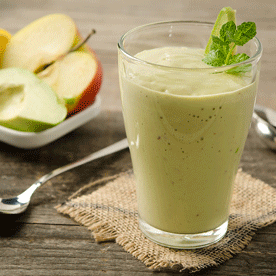 Buttermilch-Avocado-Apfel Smoothie