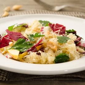 Sauerkraut-Radicchio Salat mit Apfel-Dressing