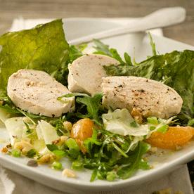 Clementinen-Kohlrabi-Thymian Salat mit gedämpfter Hühnerbrust