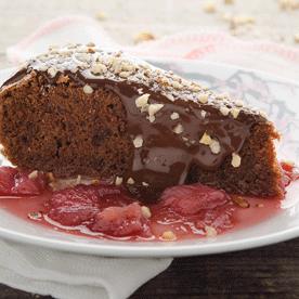 Nuss-Heumilch-Schokoladenkuchen mit Rhabarber-Kompott