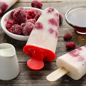 Himbeer-Joghurt-Ahornsirup Eis am Stiel